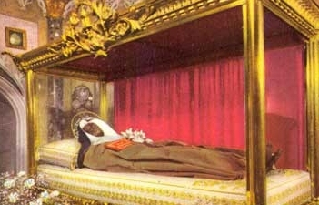Santa Clara de Asís incorrupta