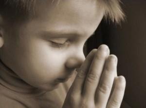 Niño que reza