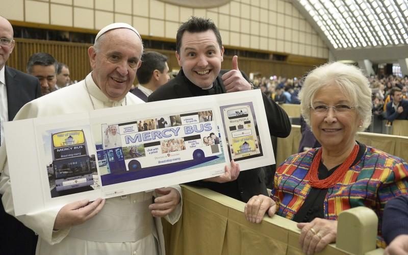 Papa Francisco y Mercy Bus