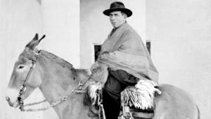 Cura Brochero sobre la mula