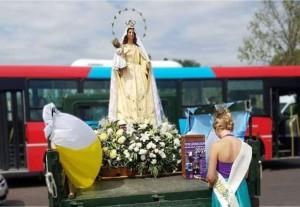 La virreina reza ante la Virgen (L)